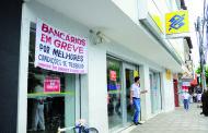 Bancários de Caratinga decidem amanhã se vão aderir à greve nacional