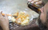 Faz mal ingerir líquido durante as refeições?
