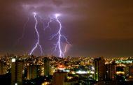 Tempestades de verão podem provocar acidentes com energia elétrica