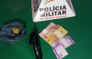 Homem é preso com crack e arma de fogo no centro de Vargem Alegre