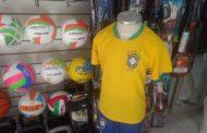 Sem Brasil na disputa, comércio sente queda nas vendas