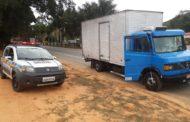 Caminhão roubado é abandonado em Santa Rita de Minas