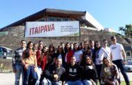 Alunos de Administração e Ciências Contábeis realizam visita técnica à Fábrica da Itaipava em Petrópolis (RJ)