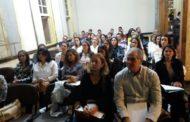 Palestra sobre restaurações cerâmicas no Casarão das Artes