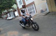"""Motociclista cita problemática do trânsito: """"Falta de respeito e correria em excesso"""""""